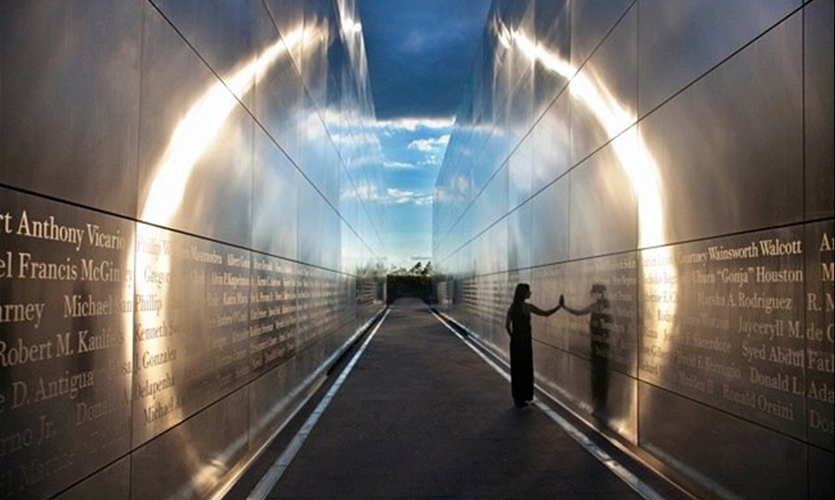 The New Jersey 911 Memorial was designeed by Frederic Schwartz Architects with graphics by Alexander Isley Inc.