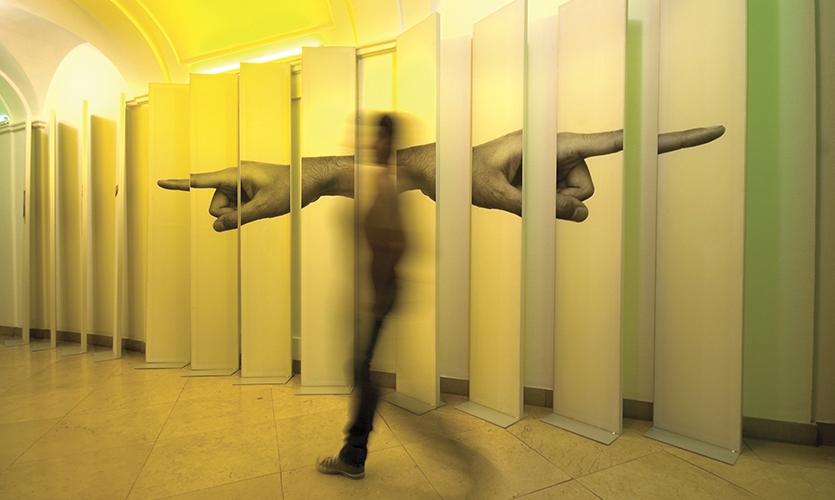 Walking by Hands, Hand to Hand, PRINT IT!, María de Ros, Daniel Loewe