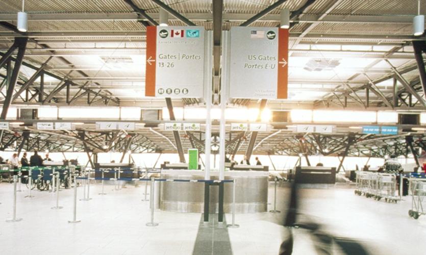 Gates Signage, Ottawa MacDonald Wayfinding Signage Program, Cartier International Airport Authority, Gottschalk + Ash International