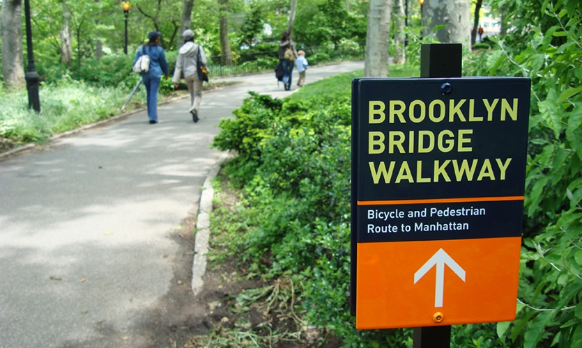 Walkway Signage, Brooklyn Bridge Pedestrian Improvements, Dumbo Improvement District, emphasis design