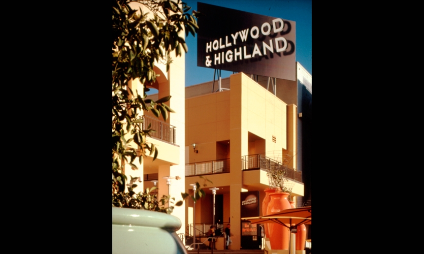 Exterior Signage, Hollywood & Highland Retail, TrizecHahn Development Corporation, Sussman/Prejza & Co.