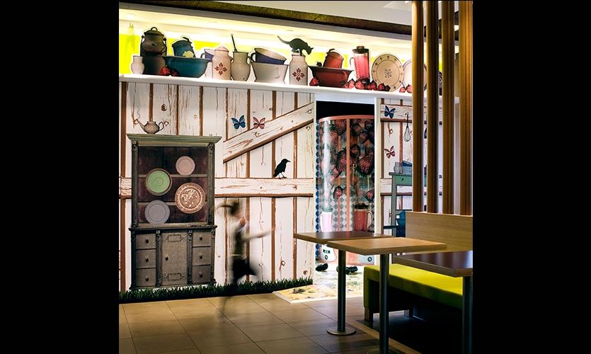Interior, McVillage, McDonald's, UXUS