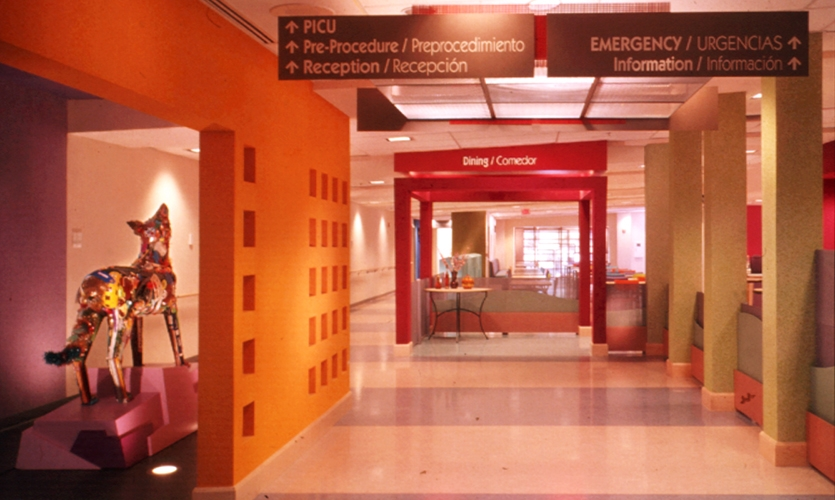 Hallway, Phoenix Children's Hospital, Karlsberger Companies