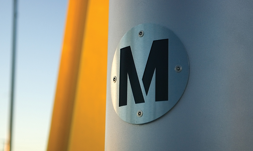 Logo Close-Up, Los Angeles Metro, Metro Design Studio