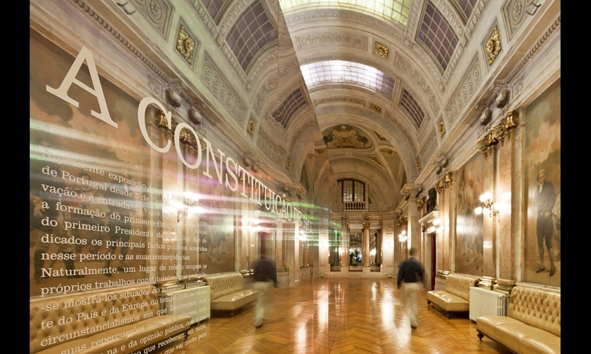 P-06's exhibit celebrating the Portuguese Constitution of 1911 consists of a 3- by 14-meter volume that mirrored the ornate neoclassic architecture of the parliament building.