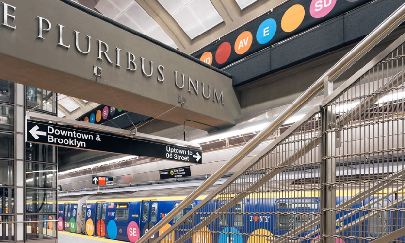 The completely new stations were designed to have three levels with center loading or island platforms with very few or no columns and high ceilings.
