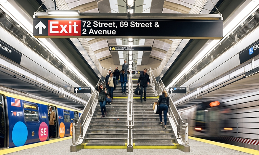 As consultants to the architect group, the C&VE team's main focus was the communication of navigational directions to users through the design and placement of station signage in visual concert with the existing graphic standards.