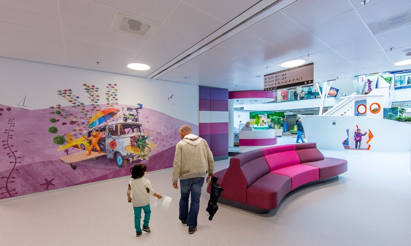 interactive journey for visitors to take inside the hospital, using projections, hands-on objects, and 43,055 square feet of graphic wallcoverings
