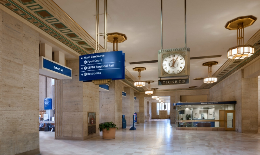 The program illustrated how wayfinding and signage can clarify and refresh older infastructure while respecting landmark status.