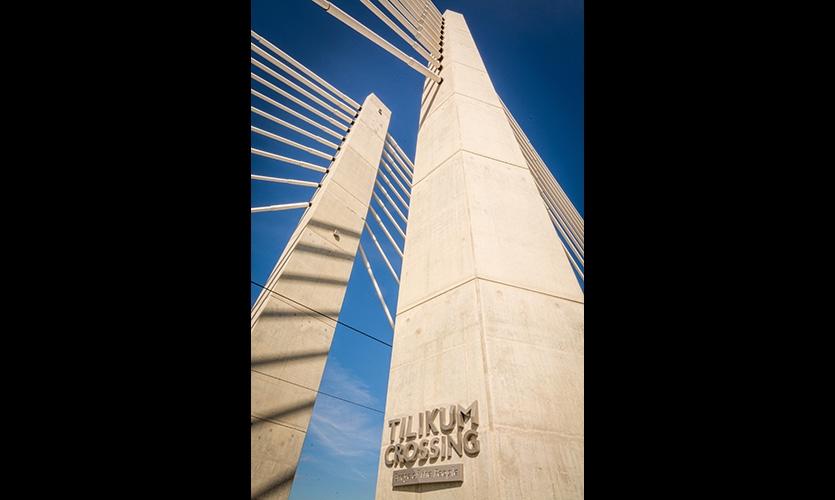 Tilikum Crossing, Bridge of the People