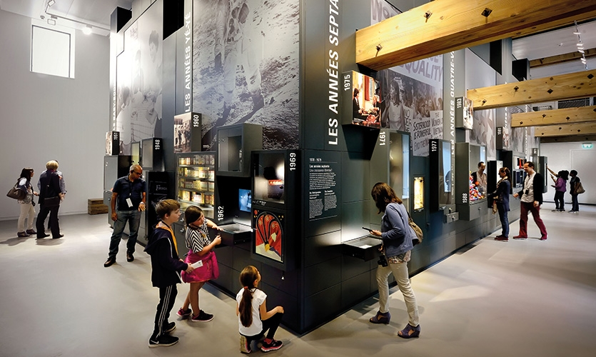 Zeitgeist is devoted to 150 years of history and links products, images and stories to iconic moments in world history.