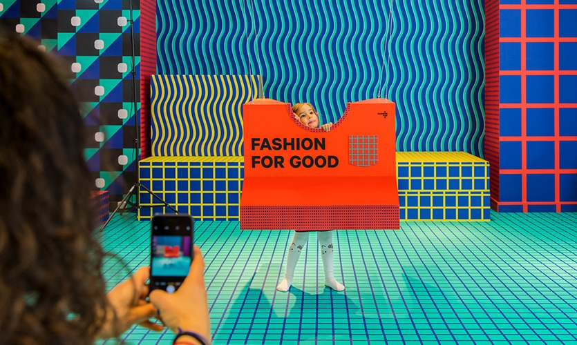 Printed with largely sustainable potato vinyl and water-based inks, this immersive space offers an entire room with colorful patterns inspired by fashion textiles.