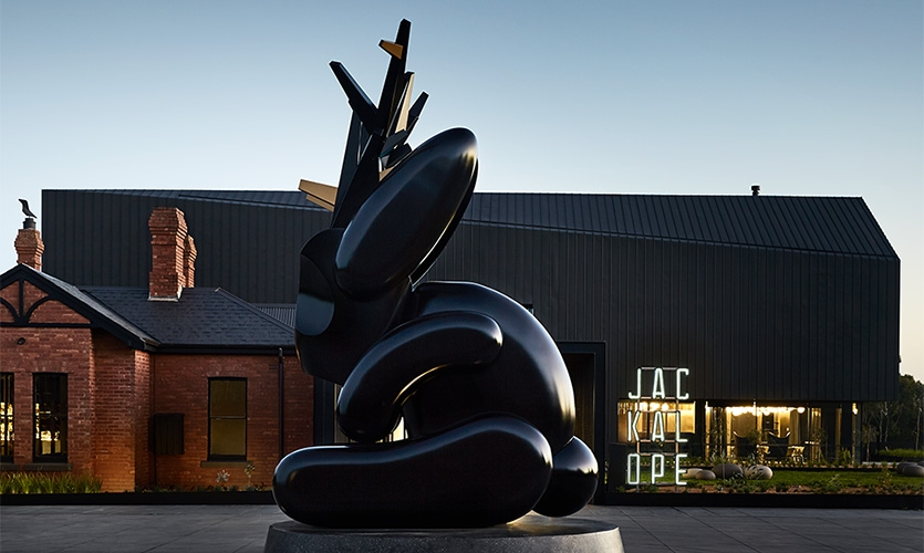 The iconic Jackalope sculpture at the hotel's porte cochere by Emily Floyd