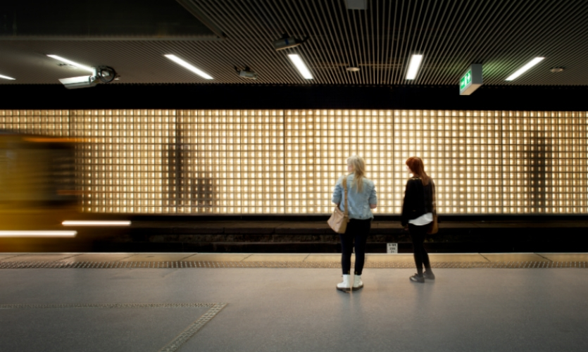 At Sunderland Station in North East England, a 144m-long installation built in front of an abandoned track presents a virtual platform filled with passengers whose shadows can be seen from behind a glass block wall. (Photo: James Medcraft)