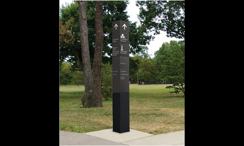 While Hunt Design originally proposed a color-coded wayfinding system, the U.S. Commission of Fine Arts-approved pylons are dark gray. Frutiger and Rawlinson typefaces are NPS standards.
