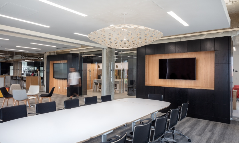 The design also provides flexible work area; a movable partition allows a large community space to split into a boardroom and a classroom.