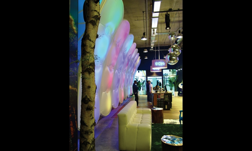 O2 Shop, Millennium Dome, London. Design: Architen Landrell