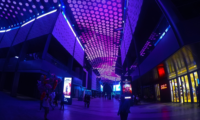 The idea of an outdoor pedestrian shopping and recreation area is unique in Dubai.
