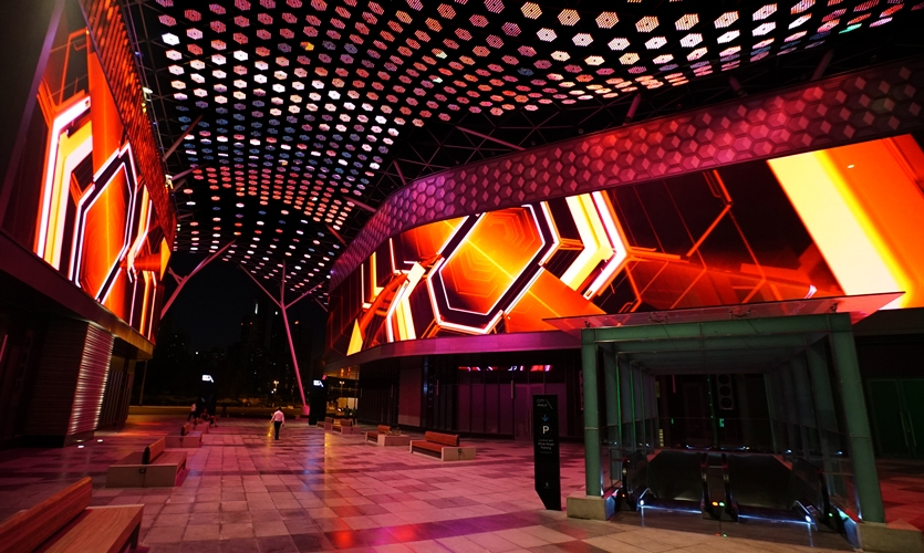 The Showstreet is the retail-encased corridor connecting the Gateway and the Place Des Lumières, which has been outfitted with special lighting and a ground projection spanning approximately 77 meters.