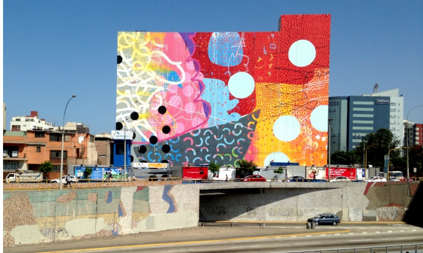 HENSE's 2013 public mural on the façade of the ISIL Institute in Lima, Peru, was his largest work to date, measuring 137 ft. tall and 170 ft. wide. He worked with a crew of 10 locals to complete it. (Photo: HENSE)