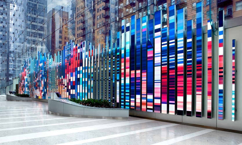 Situated in the lobby of 150 North Riverside, Chicago's exclusive new commercial tower, a stunning video canvas of more than 3,000 square feet serves as a dynamic digital sculpture for tenants and visitors alike.