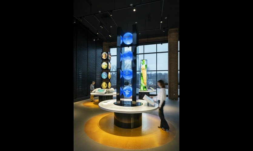 The exhibit consists of four 13-ft.-high displays that optimize a small space with no wall area and 20-ft.-high ceilings.