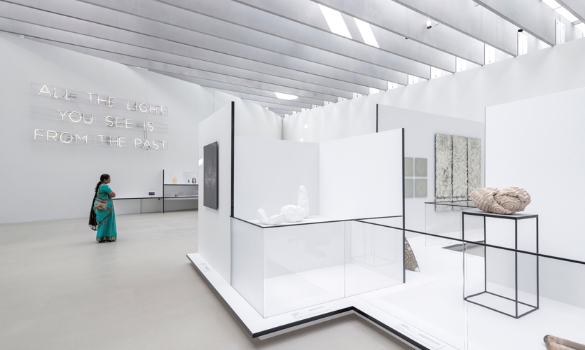 Translucent and transparent Gorilla Glass of varying heights allowed visitors to see the works while maintaining a clearance around objects as necessary.