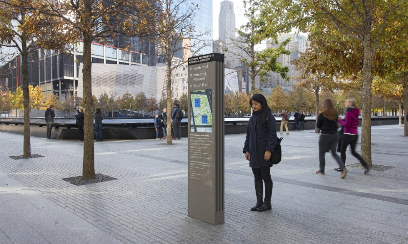 (2014) The installed kiosks are simpler and more compact. They present orientation information, directions to destinations within the Memorial and site rules and regulations.