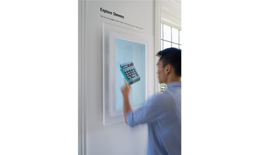 The touch screen edges were covered in white vinyl and framed with lightblock material, maintaining the airy, floating look of the exhibits.