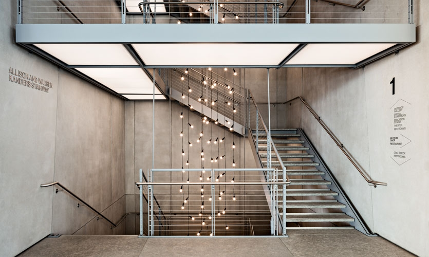 Donor recognition and Directional Information at Ground Stair