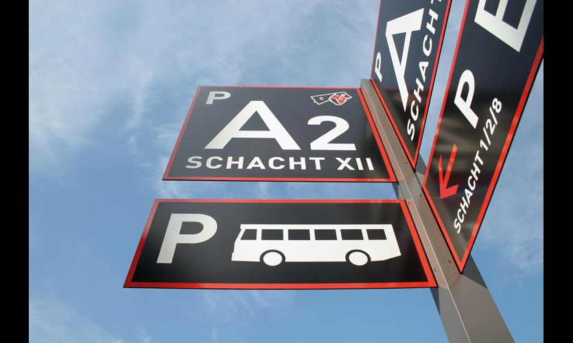 Powdercoated steel parking signs guide visitors to their relevant entrances and to parking on the periphery of the park.