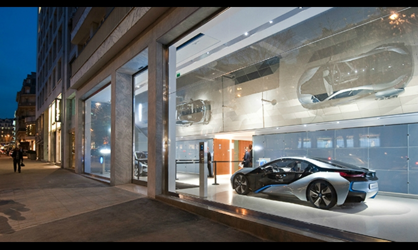 dMirror is an interactive art installation for the new BMW Paris flagship store. It reflects the dynamic brand attributes of the premium German car manufacturer, seamlessly integrated into the overall store architecture by Carbondale architects.
