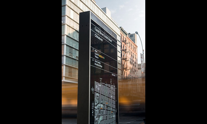 The kiosks are designed to encourage users to walk and take public transit. The structural design echoes the forms of the city's architecture, while the graphics complement the language of the subway