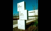 Wayfinding Signage, Crate & Barrel World Headquarters Signage, Calori & Vanden-Eynden/Design Consultants