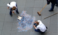 Authorities Sweeping Coins, Obsessions Make My Life Worse and My Work Better, Experimenta/Urban Play, Sagmeister Inc.