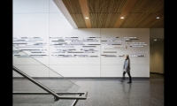 Recognizing the increasingly digital nature of mass communications, Poulin + Morris used LED zippers to compose a donor recognition element for Syracuse University's new S.I. Newhouse School of Public Communications building.