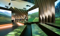 "The spectacular ""World Wine Tour"" presents the different global landscapes where vines are cultivated."