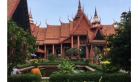 National Museum: Housed in beautiful Khmer architecture, the National Museum of Cambodia is as much outdoors as inside. Birds fly freely through the exhibition spaces and land on exhibits.