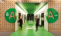 At Lady Cilento Children's Hospital, Dotdash created a clear and colorful wayfinding system that reduces stress for young patients and their families.