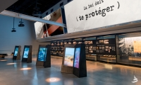 Diptychs: There are 4 interactive stands with 8 human rights topics to explore.