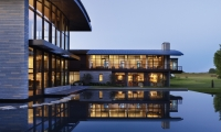 Aileron Infocommons at night (Photo: Alan Karchmer)
