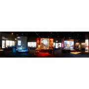The Spy Museum pushed for scenic approaches and surprises around every corner. (image: panorama of gallery)