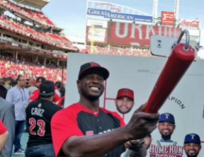 Lorenzo Cain uses SnapBat at the 2015 MLB Home Run Derby