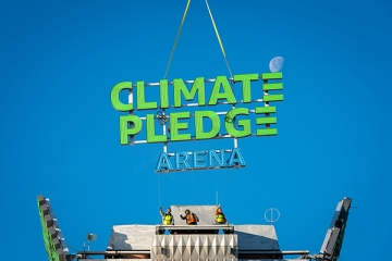 Jones Sign Company lights up Seattle skyline with crowning sign for Climate Pledge Arena