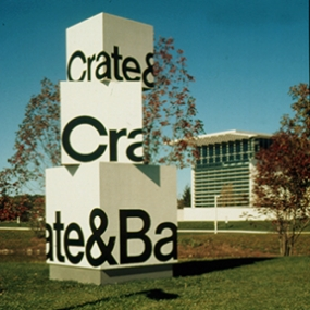 Crate & Barrel World Headquarters Signage, Calori & Vanden-Eynden/Design Consultants