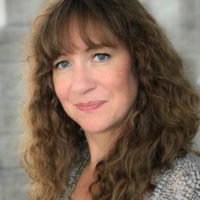 Jennifer Osiek is an Environmental graphic Designer at Jones Worley in Atlanta