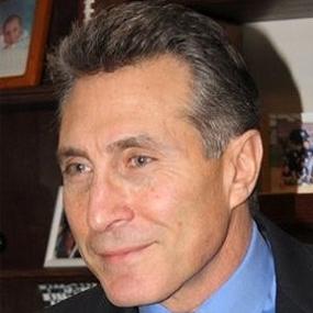 Ken Davis is the President at Davis Marketing Associates in New York City.