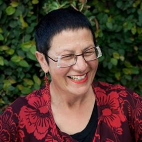 Sue Allnutt, Nuttshell Graphics