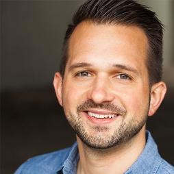 Jeff Leinenveber is a Graphic Designer at Walt Disney Imagineering in Los Angeles.