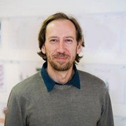 Markus Scheiber is the Creative Director at motasdesign in Austria